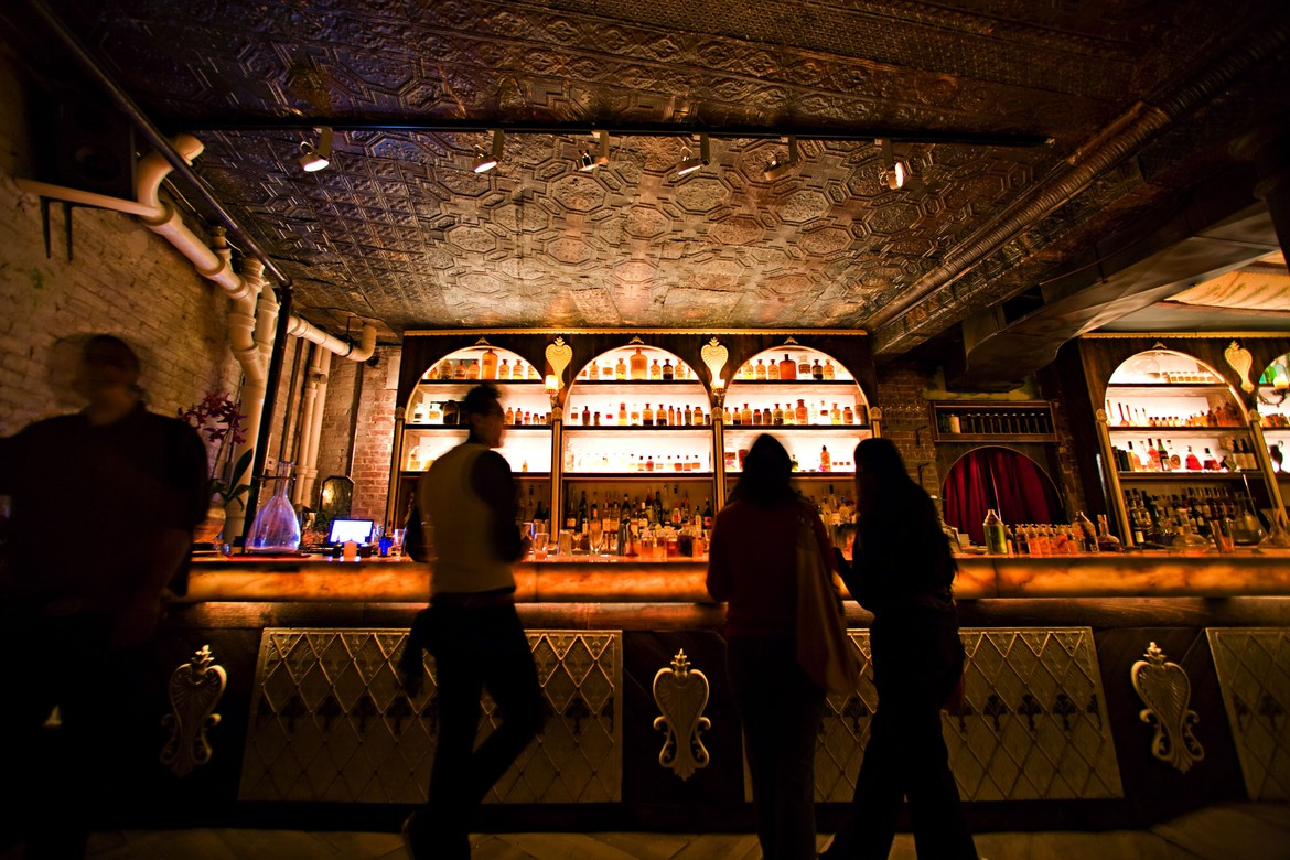 the best nyc bars with live music new york the infatuation