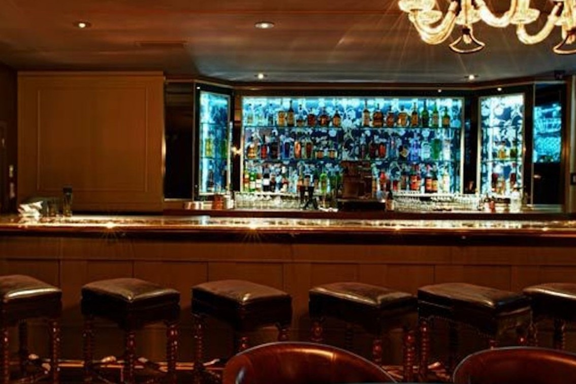dating bars chicago Chicago is one of the best bar towns on the planet find a hand-picked list of the best bars in chicago chosen by sean parnell of the chicago bar project.