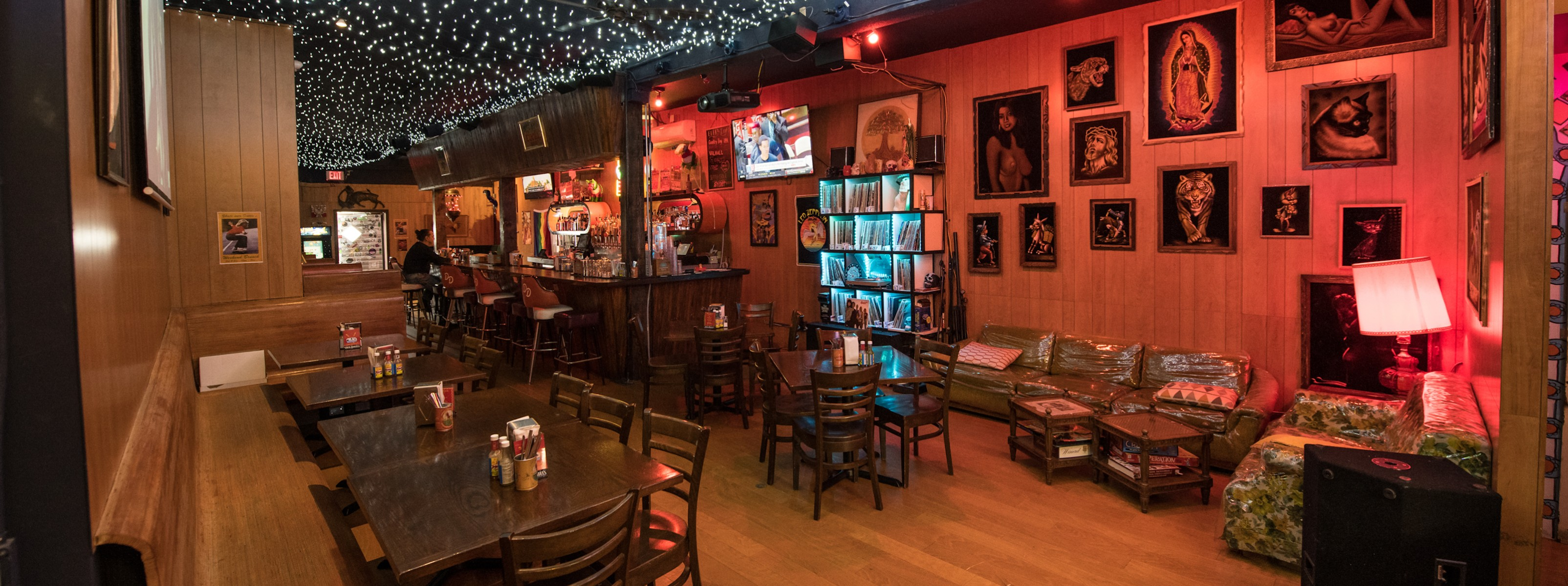 11 Dive Bars With Great Food - Seattle - The Infatuation
