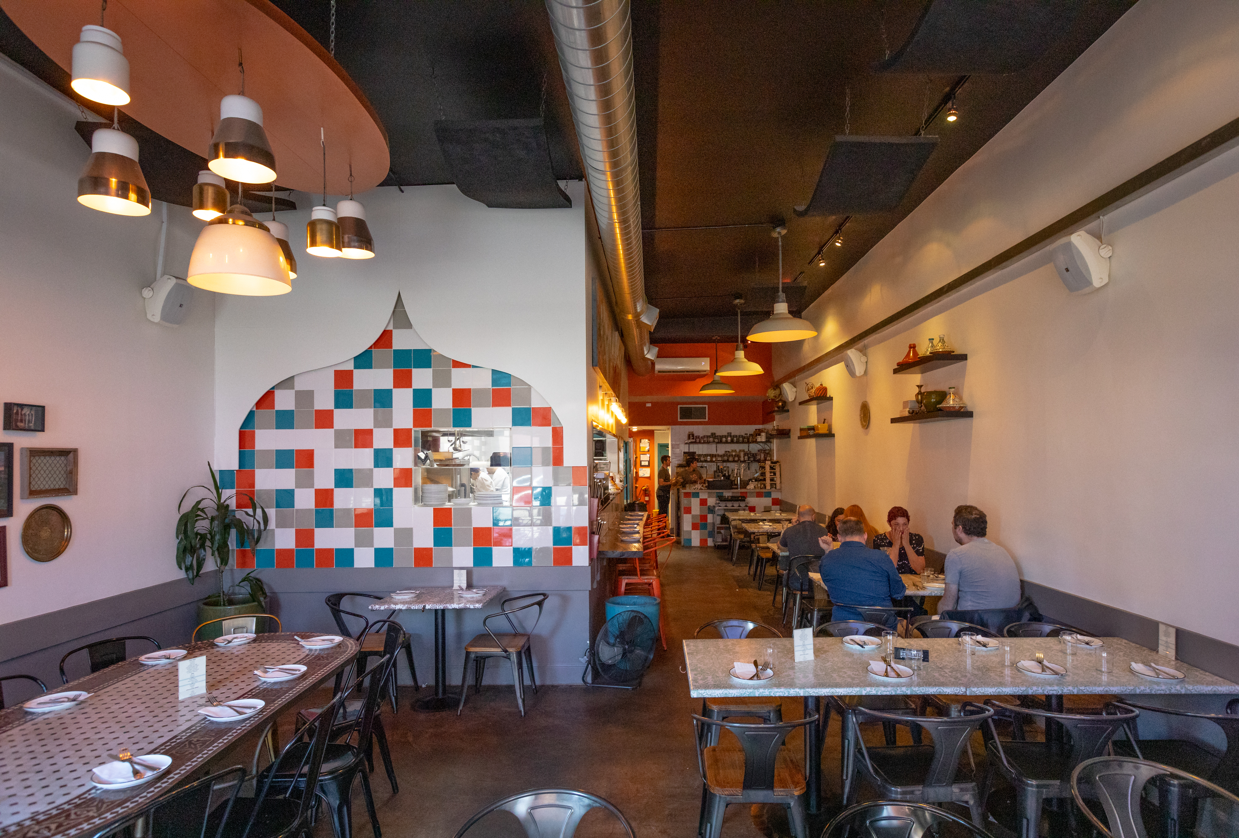 A Guide To La S Super Cute Reasonably Priced Restaurants To