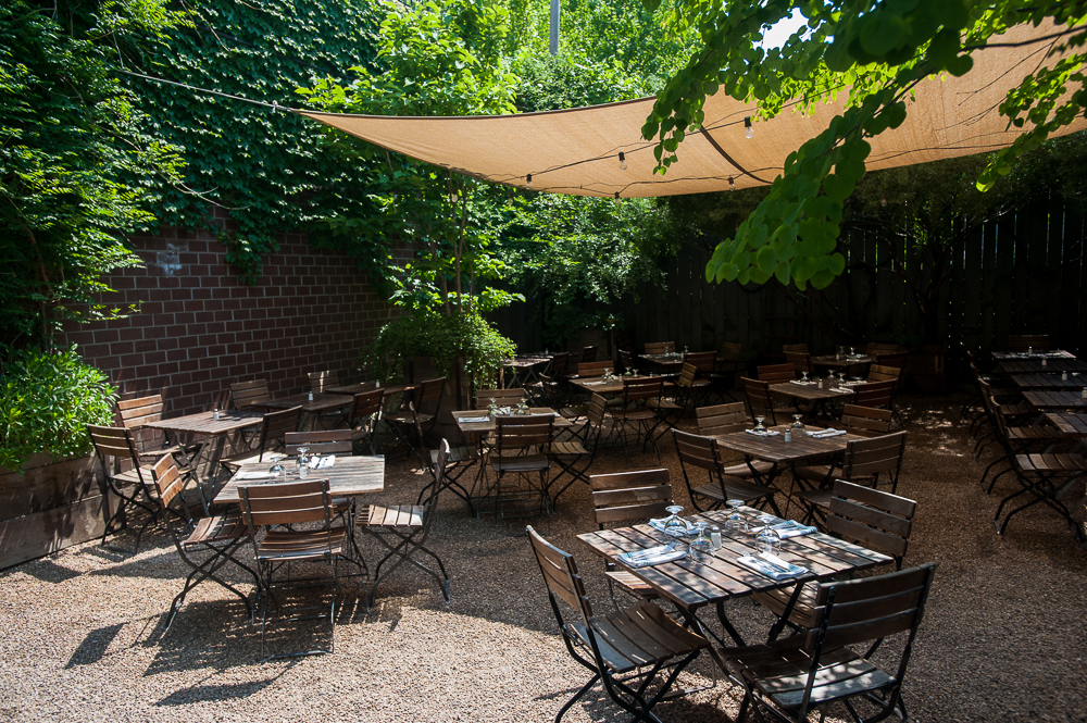 75 Great Places To Eat Outside Right Now New York The Infatuation