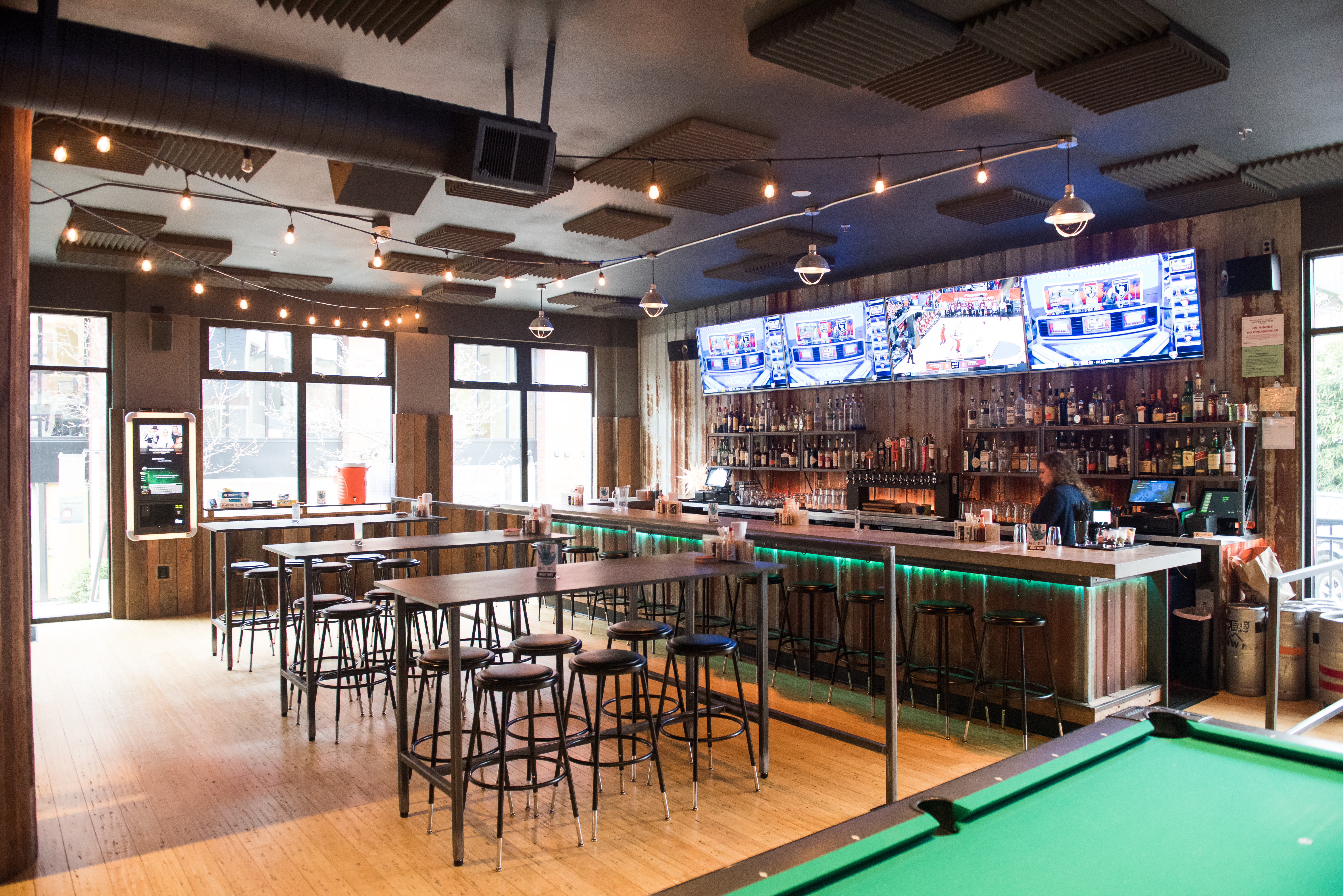 23 Great Bars With Activities - Seattle - The Infatuation