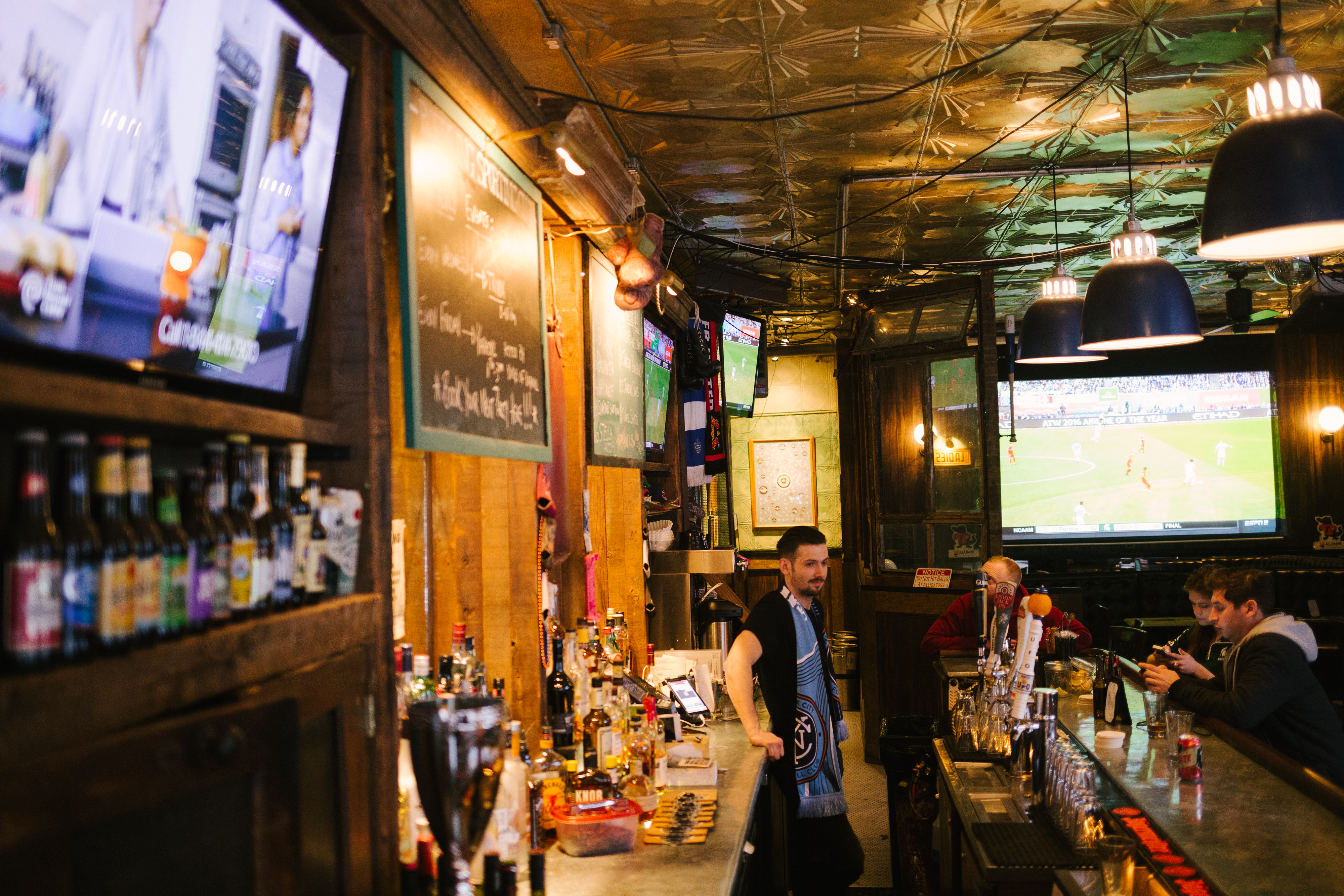 The Best Places To Watch Sports In NYC - New York - The Infatuation