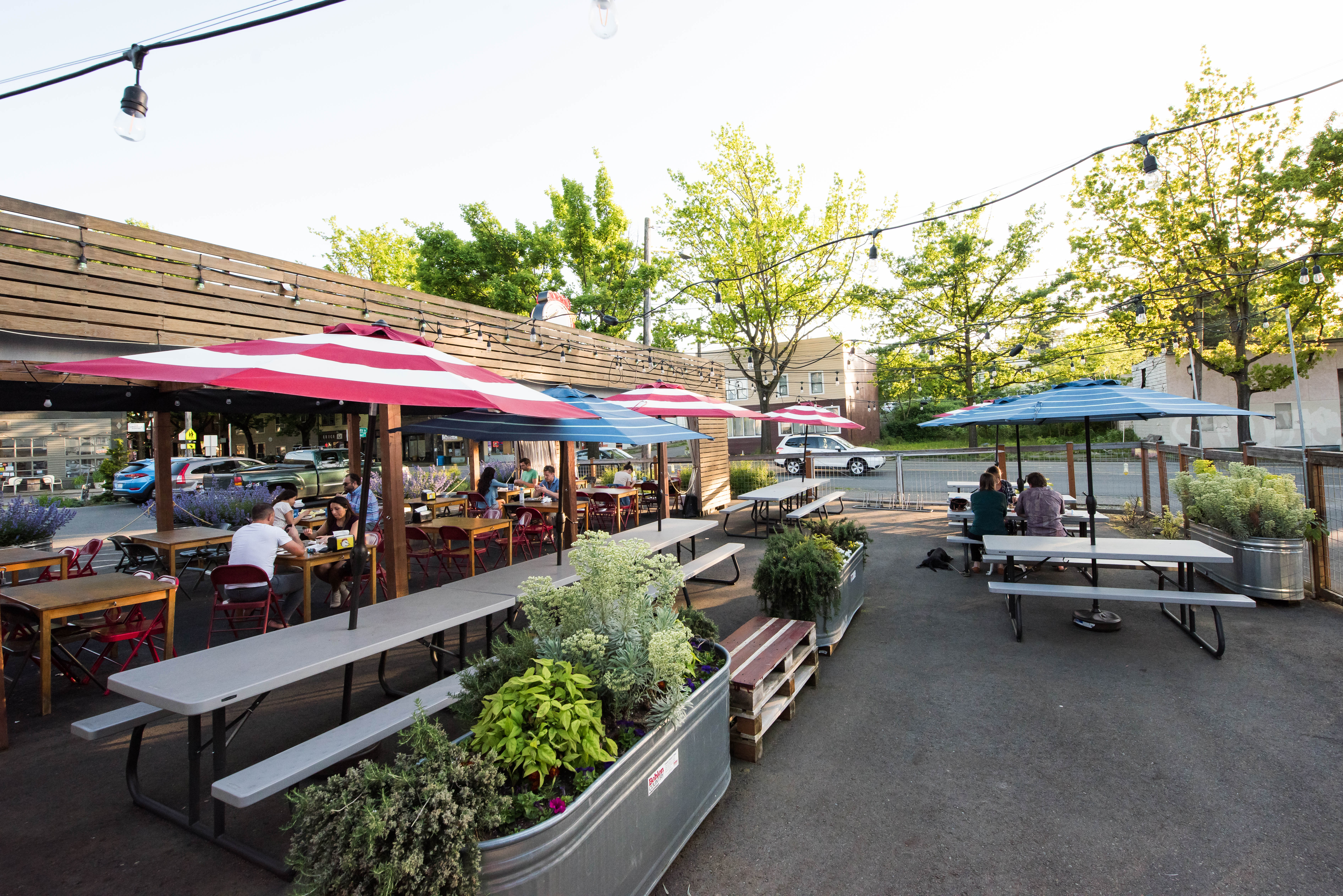 20 Restaurants With Easy Parking Seattle The Infatuation