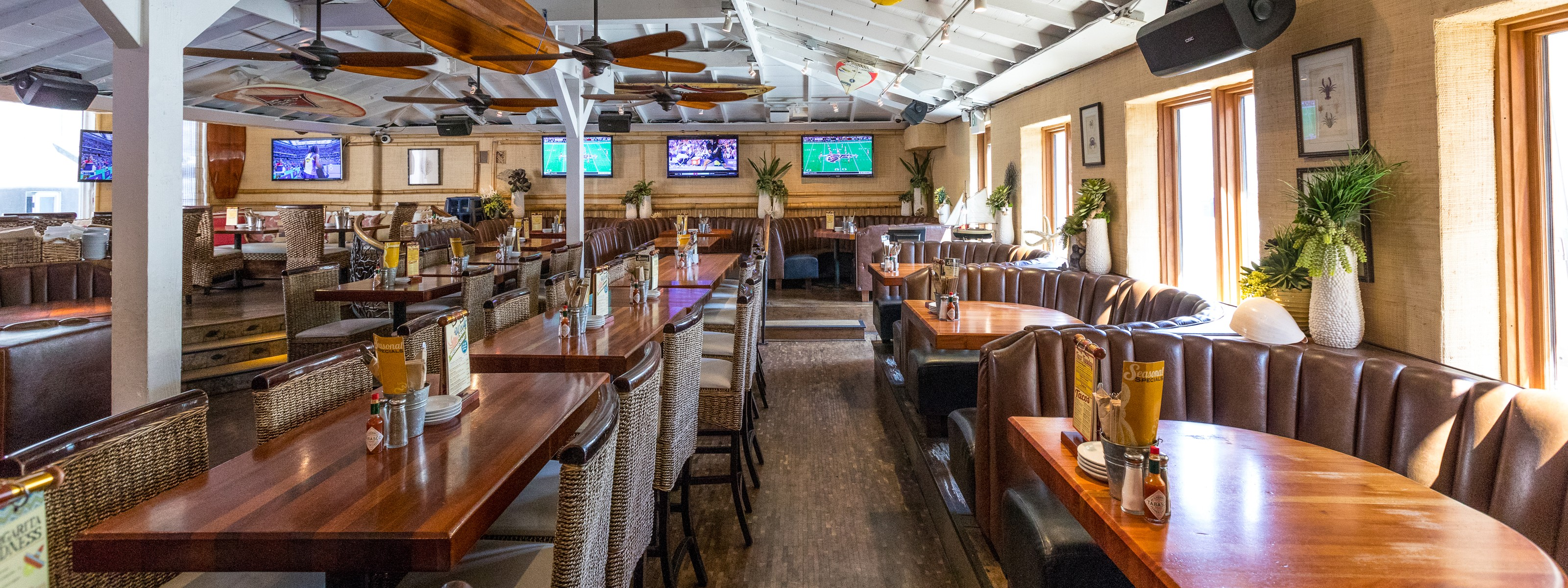 22 LA Sports Bars That Also Serve Good Food - Los Angeles - The ...