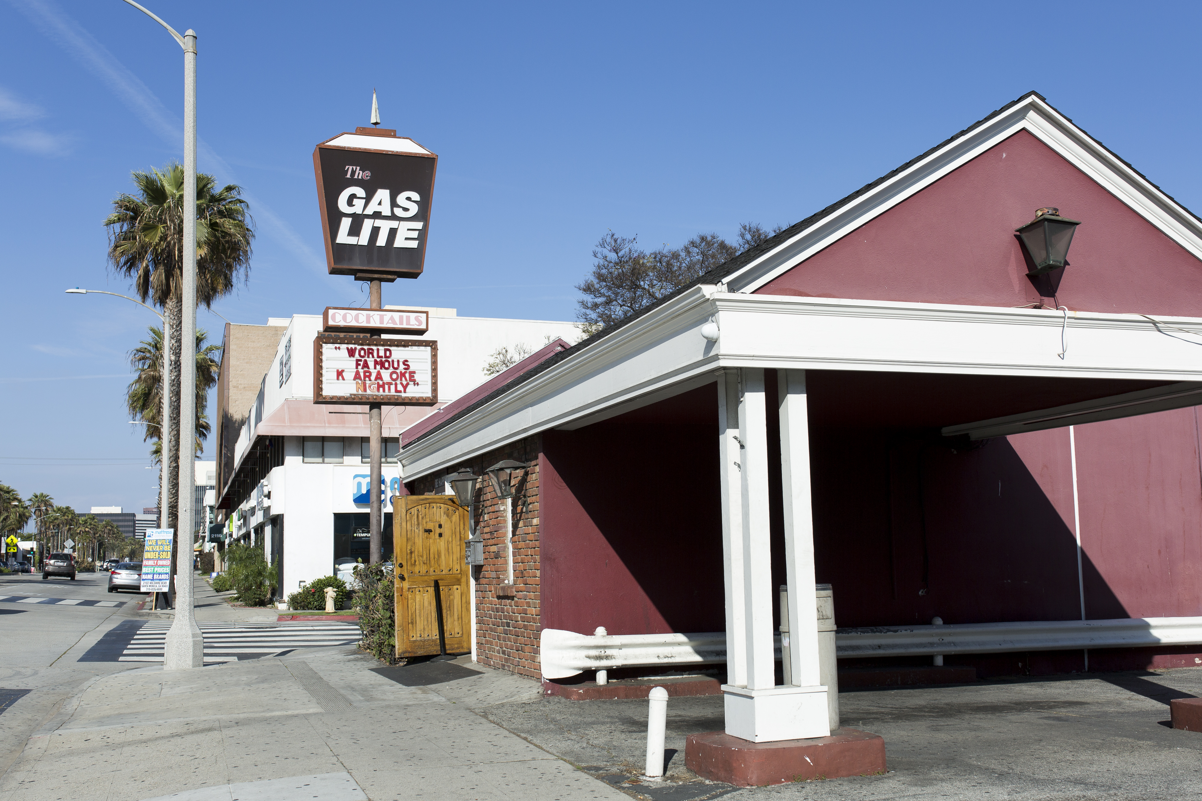 16 LA Bars Where You Can Dance - Los Angeles - The Infatuation