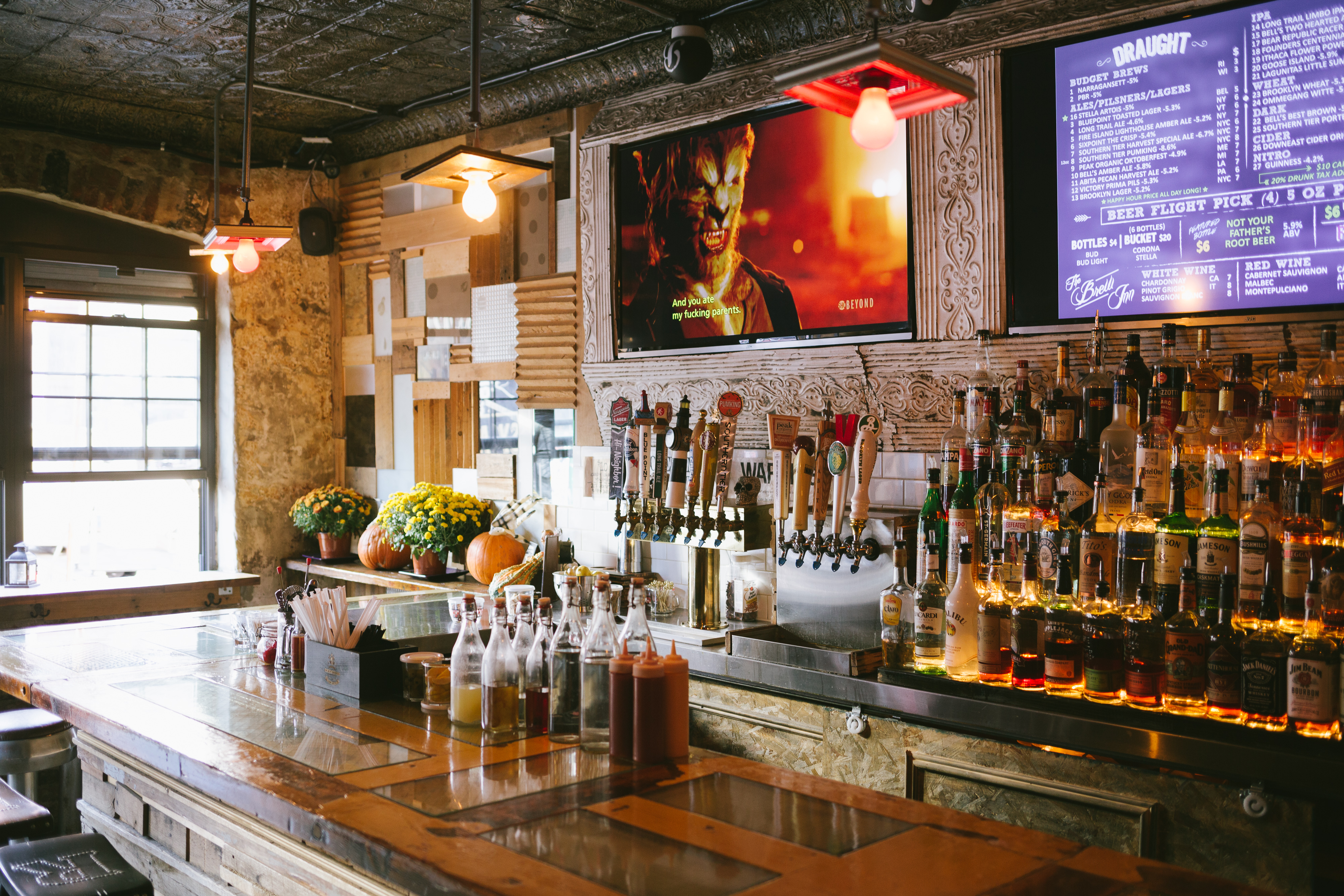 The Greenpoint Bar Guide - New York - The Infatuation