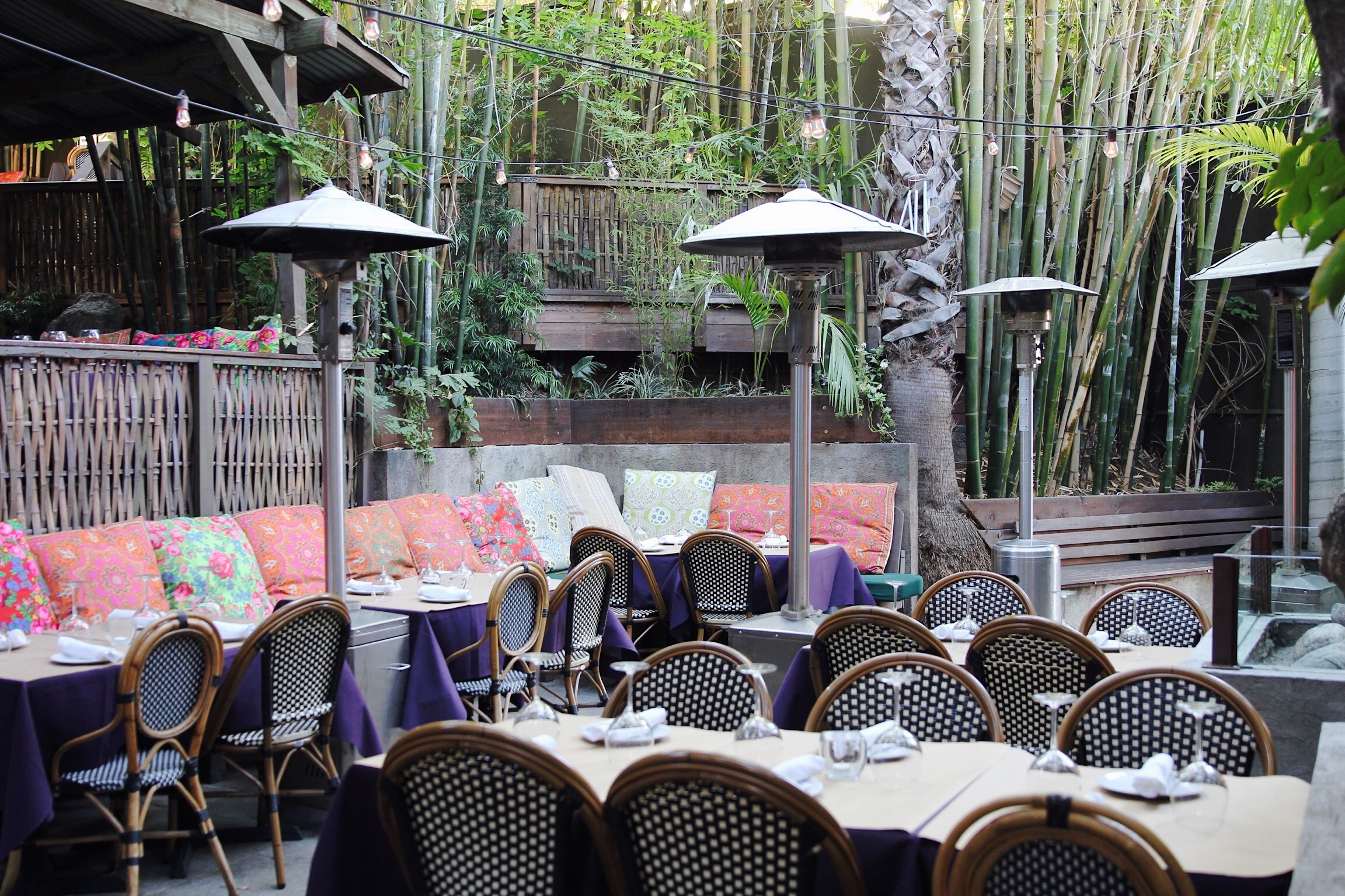 The Patio Power Rankings Where To Eat Drink Outside Los Angeles - Outdoor communal table